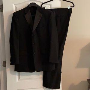 Stafford men's black tuxedo suit size 44R